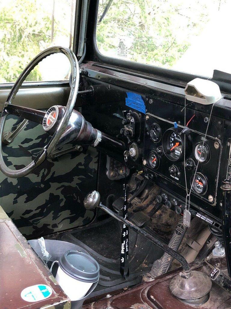Restored 1968 Kaiser Jeep M715 military